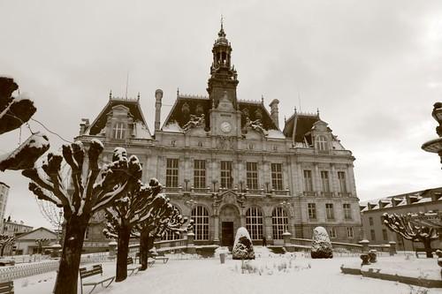 Hotel de ville limoges a photo on flickriver for Piscine limoges