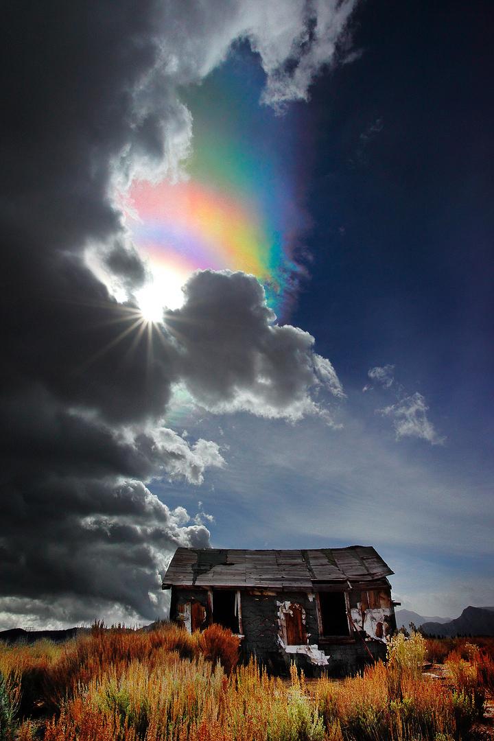 The Ice Crystal Rainbow Not Lee Vining Ca Flickr