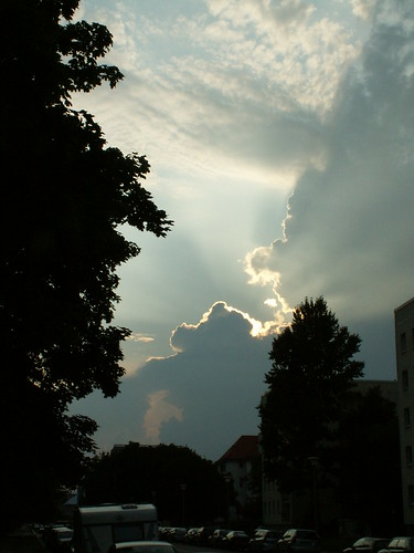 Wolken fliegen übers Haus in Dresden sie fliegen weit hinaus! 127