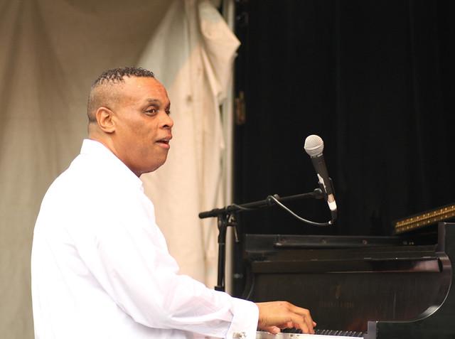 """Jesus """"Chuchito"""" Valdes - Detroit Jazz Festival 2009"""