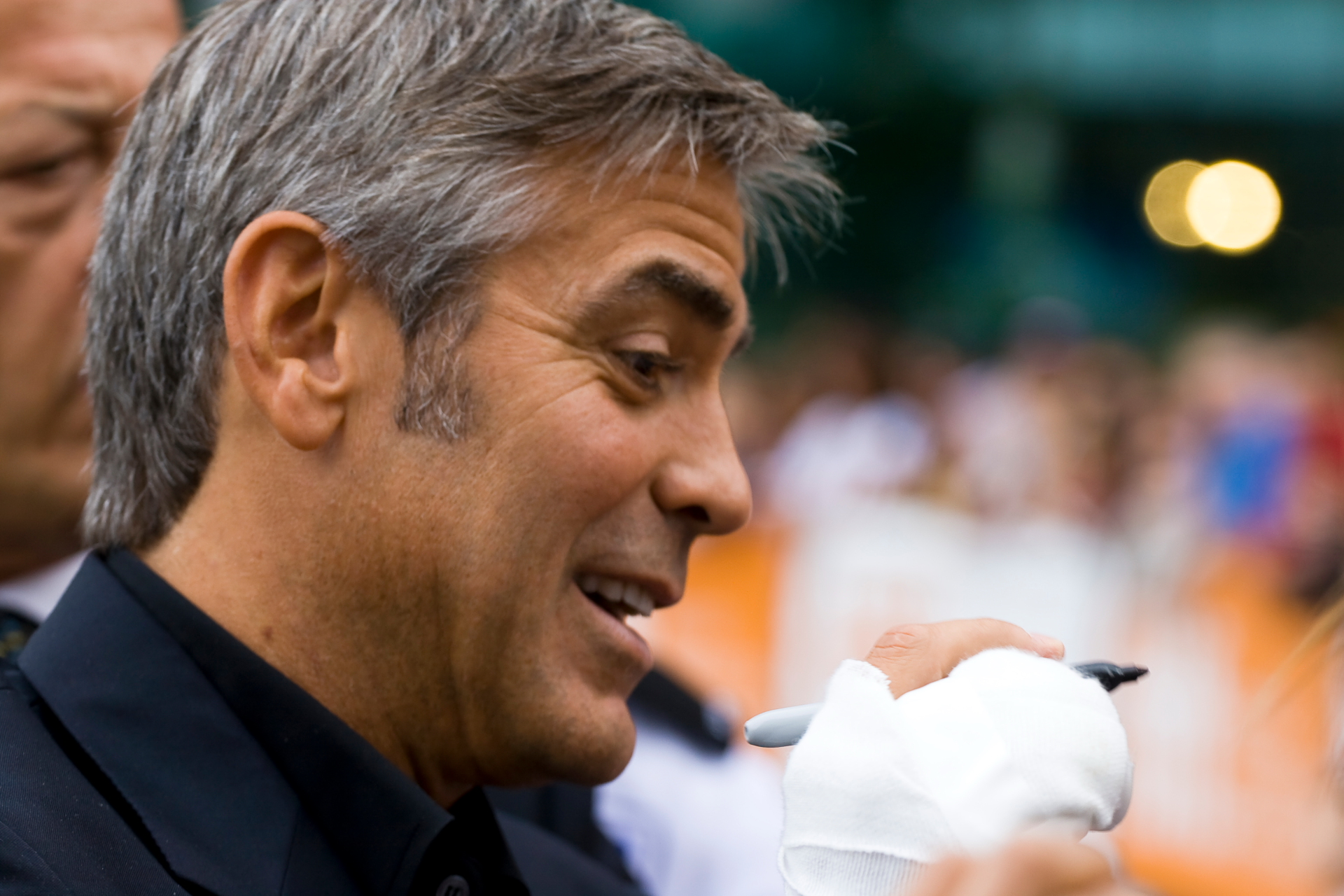grey hair styles george clooney entertaining his admirers flickr photo 2521