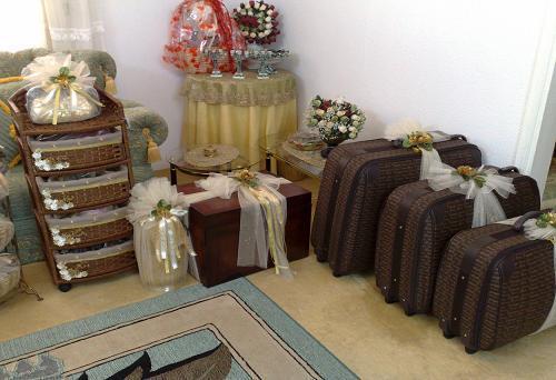 les cadeaux le mahr pour la mari e. Black Bedroom Furniture Sets. Home Design Ideas