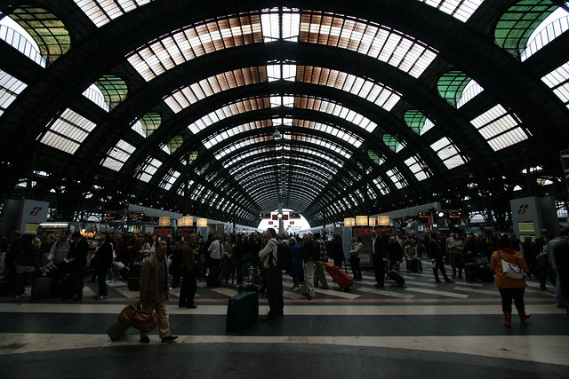 estacion tren milan: