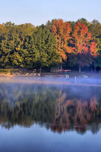 morning lake reflection fall water leaves sunrise nc foggy northcarolina foliage waxhaw canecreek canecreekpark ghholt