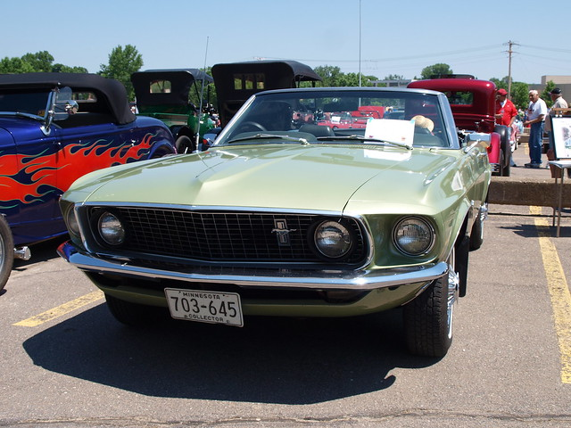 1969 Ford Mustang 2