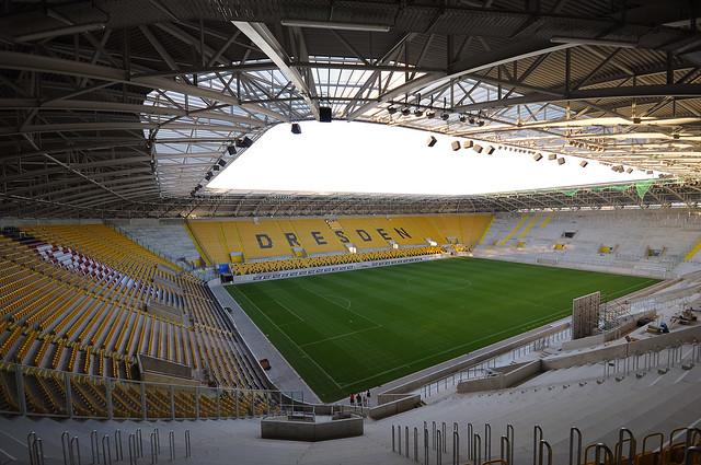 Stadionrundgang - Neubau Rudolph Harbig Stadion