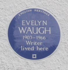 Photo of Evelyn Waugh blue plaque