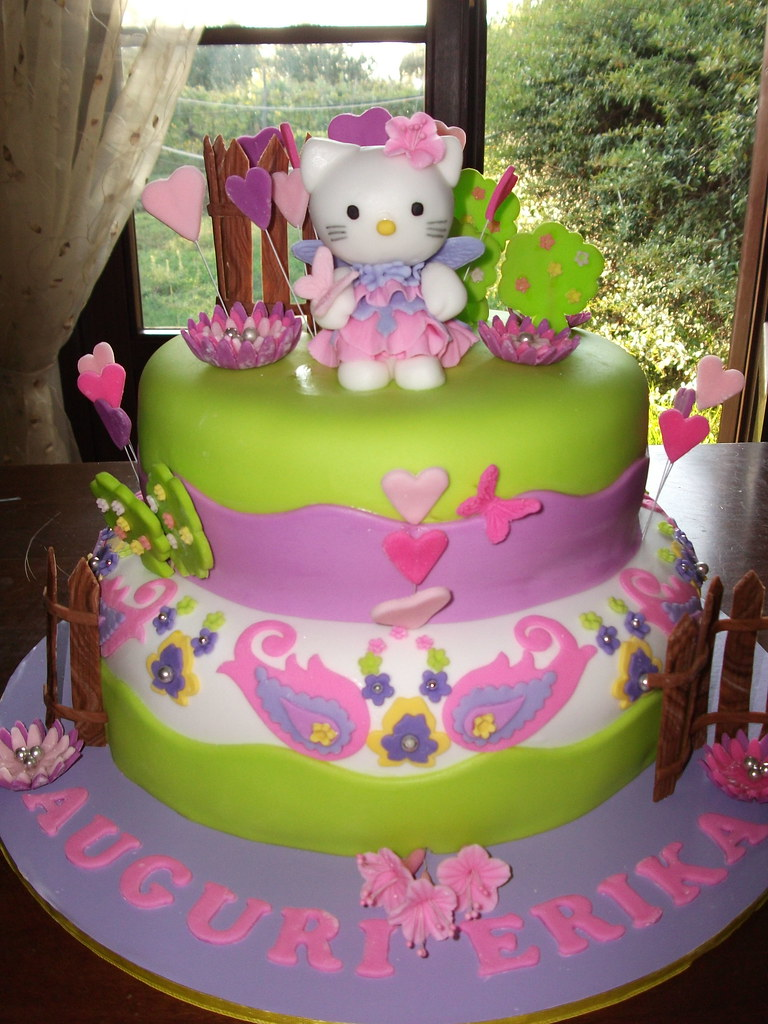 torta di hello kitty hello kitty cake a photo on flickriver. Black Bedroom Furniture Sets. Home Design Ideas