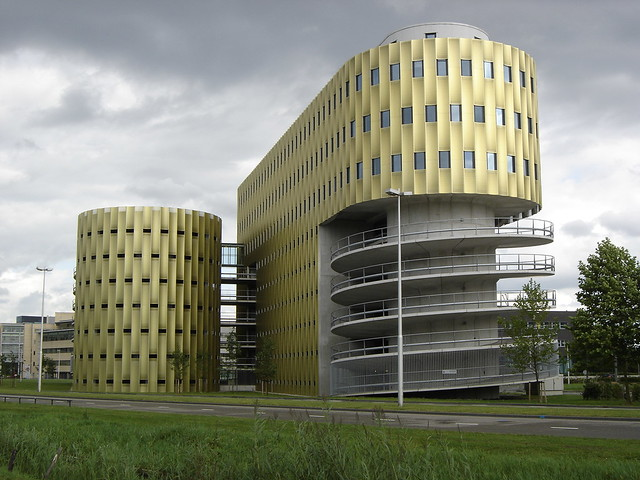 Utrecht de cope parking garage and office building for Build office in garage