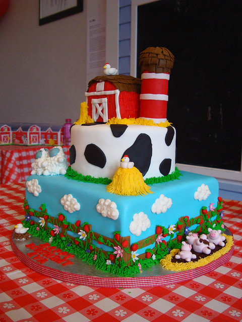 farm yard birthday cake