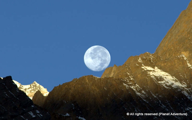 Good Bye Moon - Annapurna Circuit Trek - Nepal