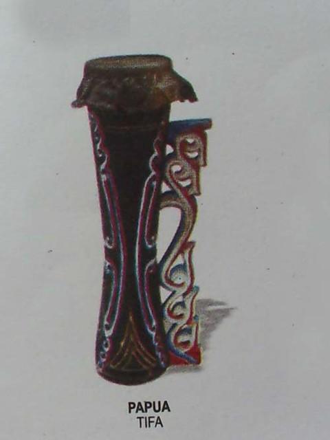 alat musik tifa (papua)