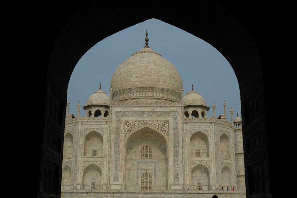 Taj Mahal desde los portones de una de las entradas laterales taj mahal, la declaración de amor más grande - 3998364535 fc29e6d5e8 o - Taj Mahal, la declaración de amor más grande