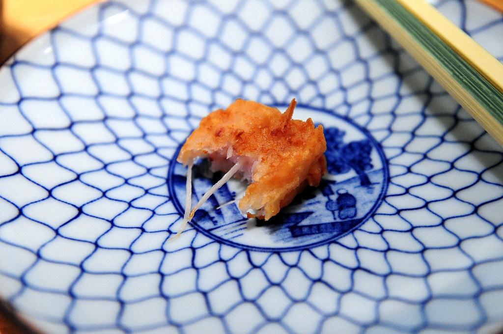 筌壽司-炸花枝漿的剖面