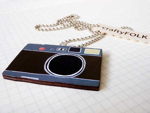Wood Camera Necklace - Brown Vintage Leica