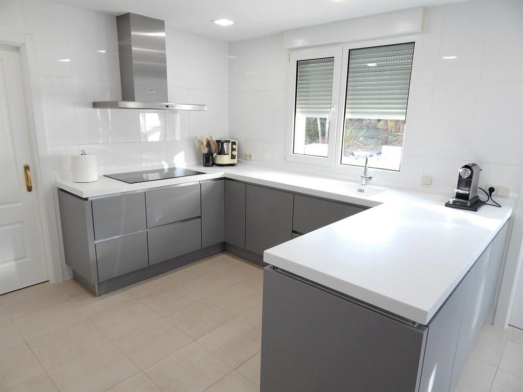 Muebles de cocina laser gris perla y for Muebles de cocina gris