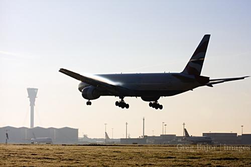 Airplane landing at London Heathrow