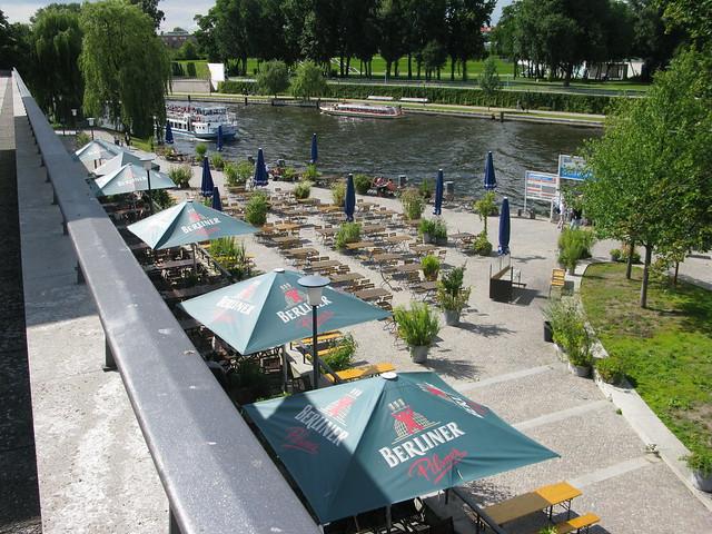 haus der kulturen der welt riverfront spree boat station. Black Bedroom Furniture Sets. Home Design Ideas