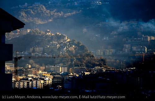 city houses winter sunrise january unten andorra pyrenees januar pirineos pirineus pyrenäen hivern gener siedlung escaldes engolasters engordany sacalma