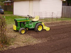 Deere 110 with Model 31 Tiller 004
