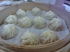 nikuman, mongolian food, siopao, cha siu bao, xiaolongbao, mandu, baozi, momo, pelmeni, food, dish, dumpling, jiaozi, buuz, khinkali, cuisine,