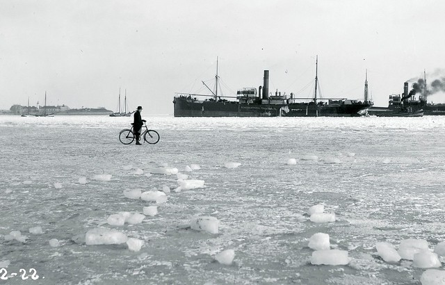 Bicycle on Winter Ice in 1922 - Cycling in Winter in Copenhagen
