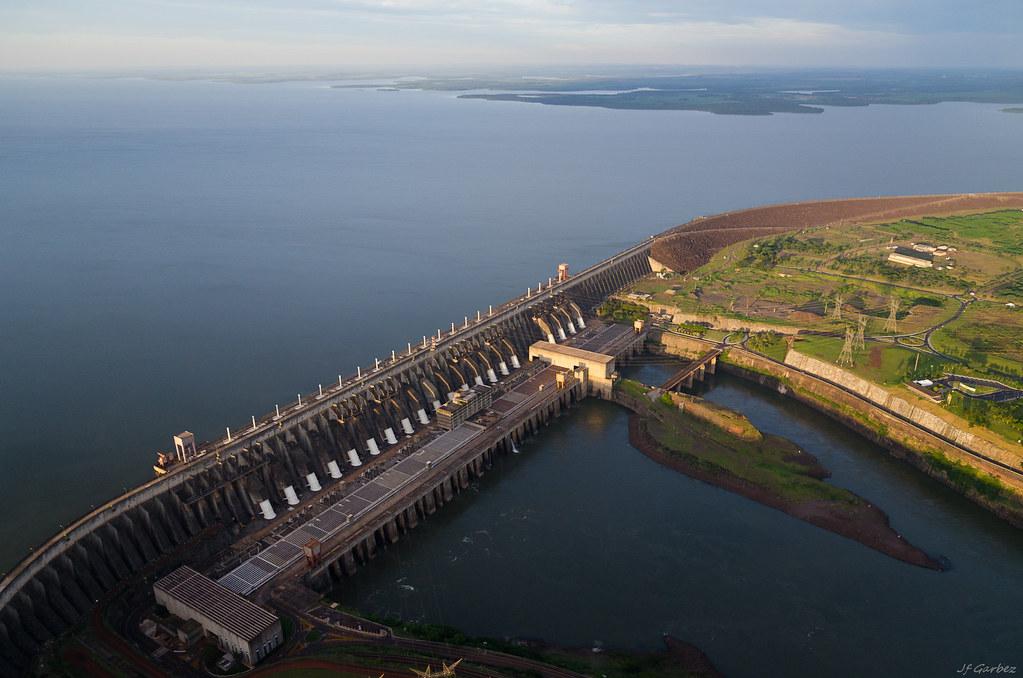 Barragem de Itaipú -1-