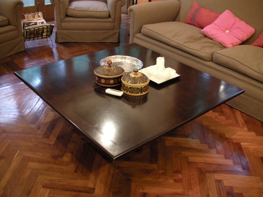 Coffee table - 200 RMB - RESERVED