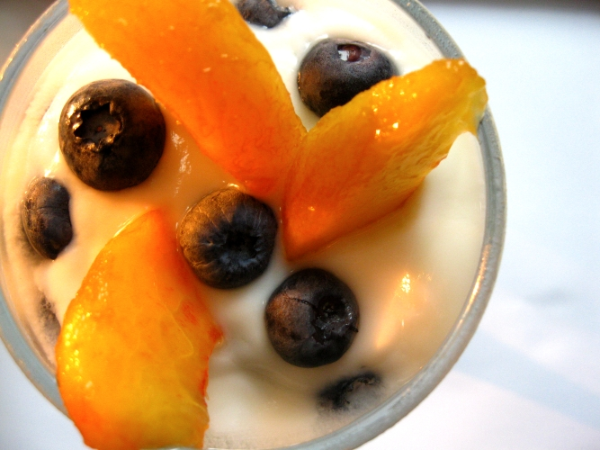 Yogurt with Peaches and Blueberries