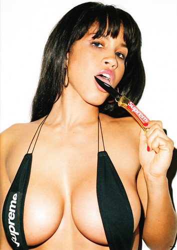 rosa-acosta-terry-richardson-supreme-8-540x763 by khy was here...