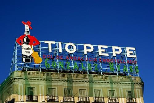 Internet se indigna contra apple y el ayuntamiento por la for Cartel tio pepe