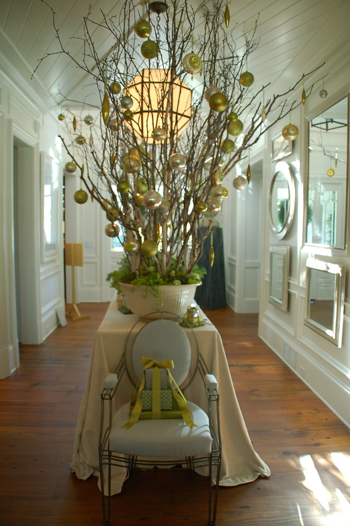 Things That Inspire Holiday Entryway Decor