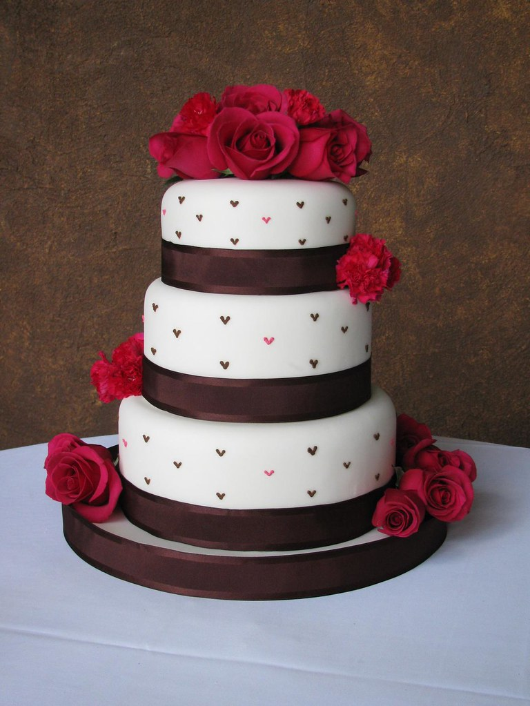 Camouflage Wedding Cakes