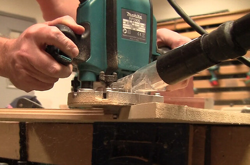 AC Gear Motors Makita RP0900X Plunge Router: In Action!