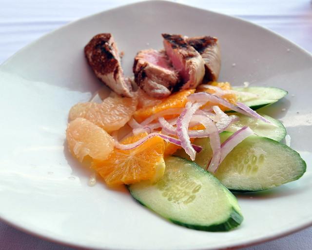 Grilled Tuna Citrus Salad | A grilled tuna citrus salad (tun ...