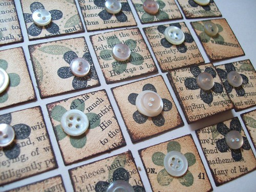 Vintage Button Inchies
