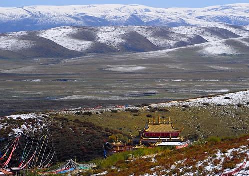 nature landscape buddhism tibet amdo 2009 tibetanplateau snowmountain tibetanlandscape tibetanethnicity བོད། བོད་ལྗོངས། བོད་རིགས། སངས་རྒྱས་ཆོས་ལུགས། གངས་རི། ཡུལ་ལྗོངས། བཀྲ་ཤིས་བདེ་ལེགས། ©janreurink ཨ༌མདོ བོད་མཐོ་སྒང་ bötogang