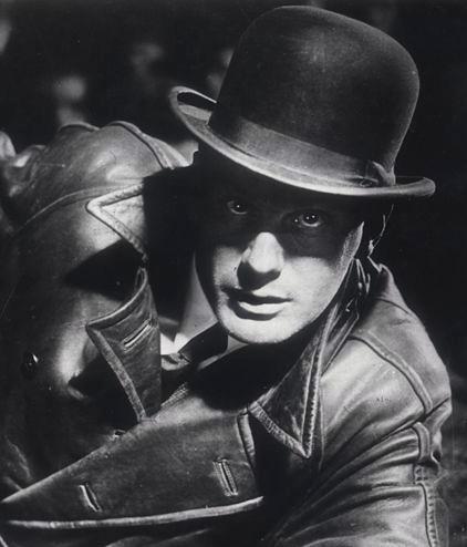 Gustav Gründgens in Fritz Lang's, M - Eine Stadt sucht einen Mörder, 1931