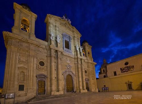 italy church italia sigma chiesa sicily bluehour 1020 sicilia notripod cattedrale marsala 10mm orablu minimalprocessing nohdr