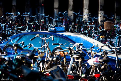 Taxi v Bikes