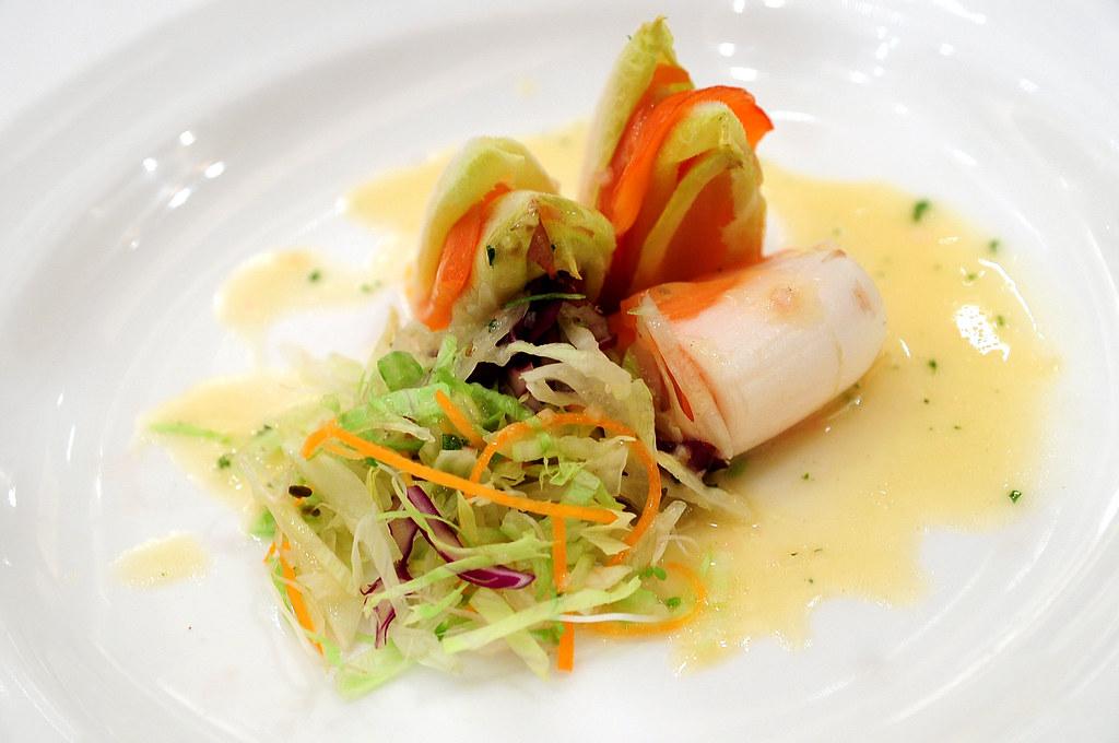 勞瑞斯牛排-父親節套餐之煙燻鮭魚小白菜捲