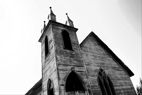 laura church geotagged sk saskatchewan canadaruralsmalltownbwbwgrayscale geo:lat=51846384 geo:lon=107278748
