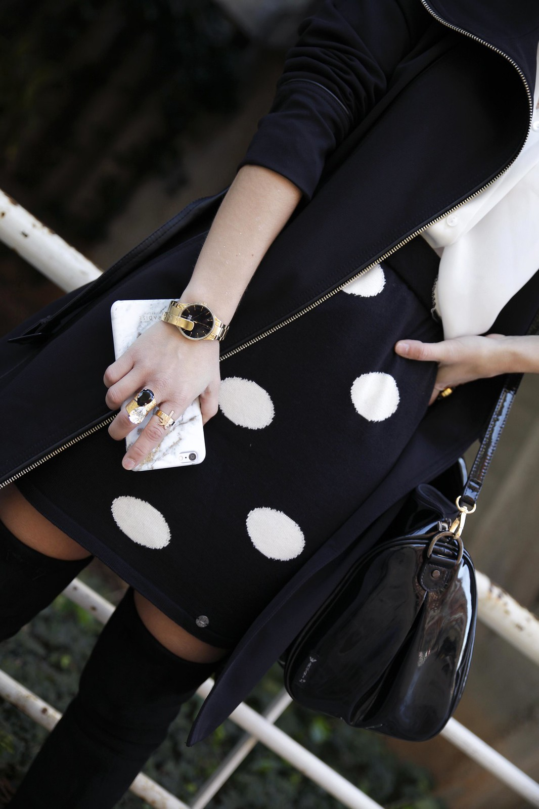 011__skirt_dots_black_and_white_outfit_theguestgirl_ruga_shop_online_long_boots