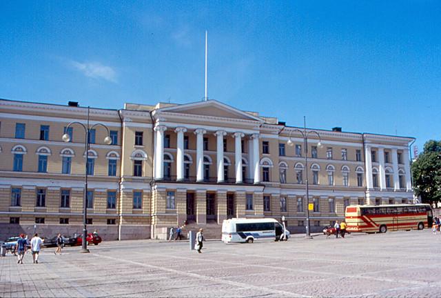 El edificio principal de la Universidad de Helsinki