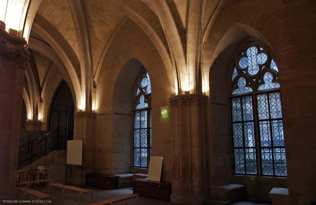 Grand-Salle et ses superbes fenêtres