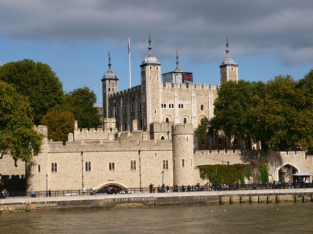 River Thames boattrip - Tower of london