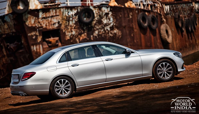 2017-Mercedes-Benz-E-Class-LWB-Side