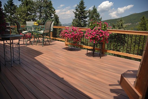 Fiberon Tropics composite decking