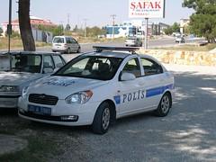 automobile(1.0), automotive exterior(1.0), hyundai(1.0), vehicle(1.0), hyundai accent(1.0), mid-size car(1.0), compact car(1.0), land vehicle(1.0), vehicle registration plate(1.0),