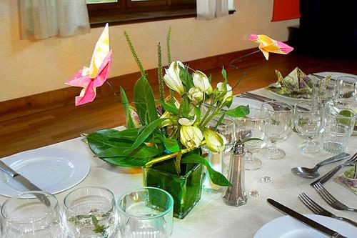Centre de table fleurs et origami mariage champ tre original flickr p - Fleurs table mariage ...